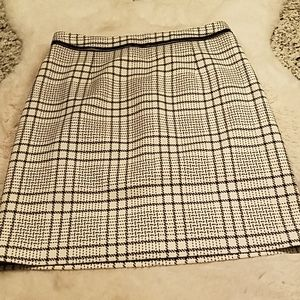 Black and white 18.5 inch length skirt